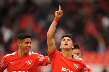 El festejo de Meza para poner el 1 a 0 entre Independiente y Velez.