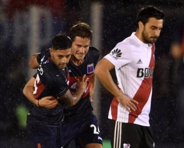River empató con Tigre en Victoria y se aleja de la punta.