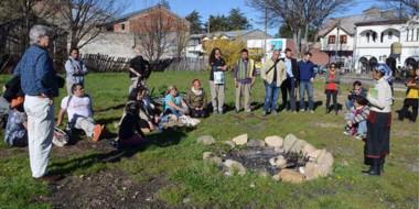 Al aire libre. Las comunidades originarias debatieron varios temas sensibles en la plazoleta Antieco.