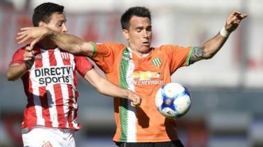 Estudiantes y Banfield no se pudieron sacar diferencias en Quilmes.