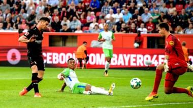 Gol de Alario. El delantero convirtió en la igualdad del Leverkusen.