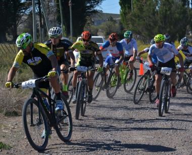 """Se desarrolló una nueva edición de la """"Vuelta al Valle"""" de Mountain Bike, donde nuevamente el más rápido fue el trelewense Marcos Villalva."""