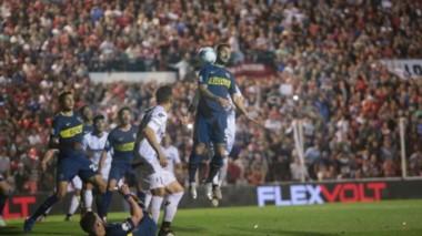 Boca se presenta en el Estadio Presbítero Bartolomé Grella bajo un lleno total.