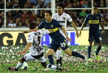 Boca vence a Patronato y estira la ventaja en la cima de la tabla de la Superliga.
