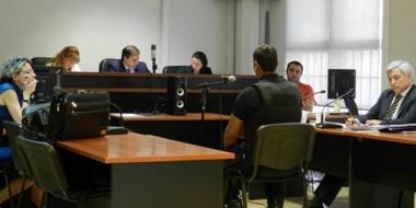 Ayer comenzó el juicio oral y público por el cual se acusa a un sujeto de querer asesinar a su ex a puñaladas.