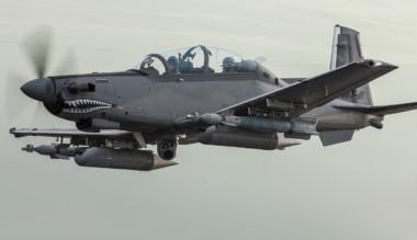 Un Beechcraft T-6C Texan II artillado. Se usarán para el entrenamiento avanzado de los pilotos argentinos y para el combate del narcotráfico.