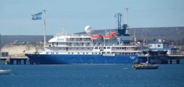 El crucero Sea Spirit inauguró una temporada en la que hay cifradas expectativas sobre sus resultados por la cantidad de ingresos programados y el número de visitantes que arriban.