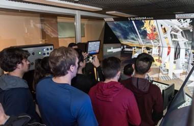 El ciber simulador de perforación  es de última tecnología es única en el país.
