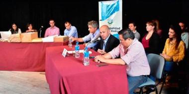 La apertura de licitación fue presidida por el intendente de Puerto Madryn, Ricardo Sastre.