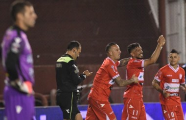 Deportivo Morón bajó a otro de Primera, Olimpo, y llegó a las semis.