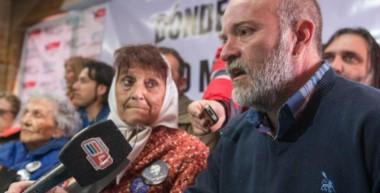 """""""Convocamos a todos y todas a manifestarnos en todas la plazas del país y del mundo bajo la consigna Justicia para Santiago Maldonado. El Gobierno es responsable""""."""