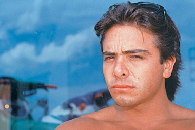 Menem Junior murió el 15 de mayo de 1995 al caer del helicópero que pilotaba a metros de la ruta 9. Viajaba con él el piloto automovilístico Silvio Oltra, también fallecido.