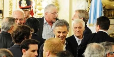 Jerónimo García charlando con el ministro Frigerio, el viernes en la Rosada.