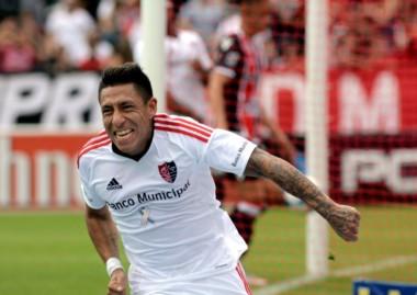 Con goles de Brian Sarmiento y Bruno Bianchi, derrotó 2-1 a Chacarita (Álvarez) por la fecha 7 de la Superliga.