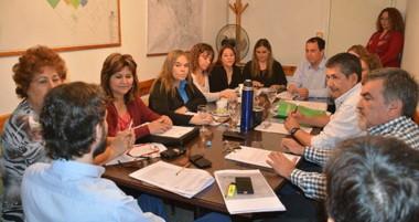 El titular de Obras Públicas, Marcelo Montserrat, explicó el proyecto ante los concejales.