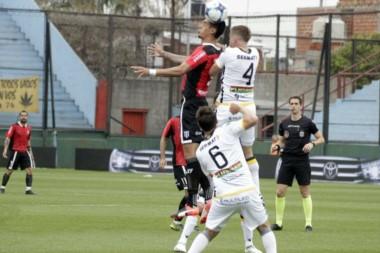 Olimpo, entre los 8 mejores de la Copa Argentina, está último en la Superliga y debe ganar de manera urgente.