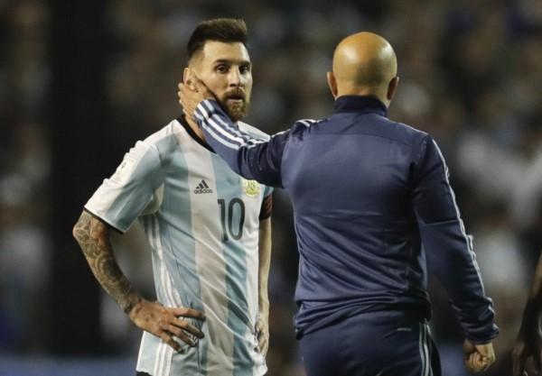 """Sampaoli y la situación de Argentina: """"El equipo está con rabia pero si gana va a Rusia""""."""