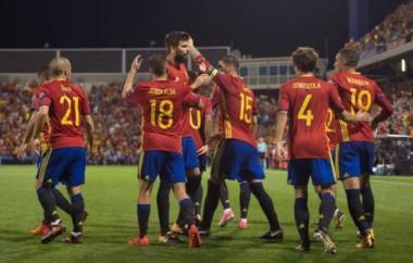 España clasificó al Mundial de Rusia tras vencer a Albania y favorecerse del empate de Italia.