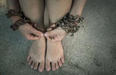 La joven de 19 años sufrió maltrato por parte de dos compatriotas ademas de haber sido violada por el hombre. (Archivo).