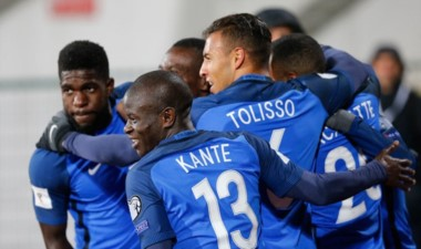 Francia triunfa ante Bulgaria y está a un paso del Mundial.