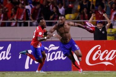 Costa Rica iguala de último minuto ante Honduras y se mete al Mundial.