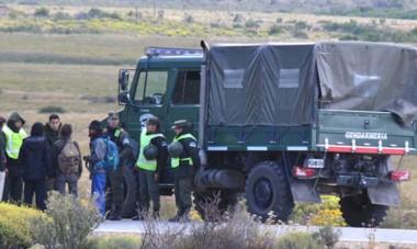 La Gendarmería en Cushamen. Distintos organismos también cuestionaron la represión ocurrida en el PuLof cuando desapareció Maldonado.