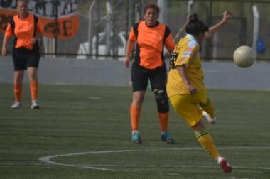 """El """"Naranja"""" vapuleó a La Ribera por 4-1 en el CeDeTre. Es el único equipo que ganó los dos partidos."""