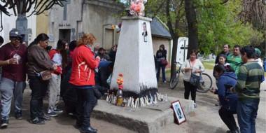 Recuerdo. A cientos de kilómetros, los vecinos de Esquel se autoconvocaron para un homenaje distinto.