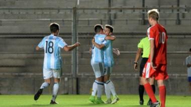 Argentna es anfitrión del torneo del que participan diez selecciones de la Conmebol y dos invitados (Croacia y República Checa).