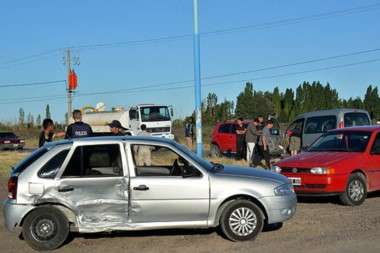 Choque. Hubo importantes daños materiales además de los golpes sufridos por los hospitalizados.