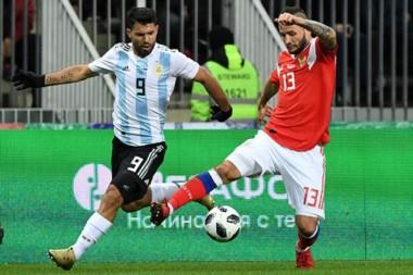 Agüero volvió a la Selección con un gol.
