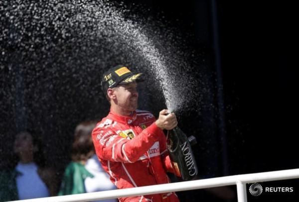 El alemán Sebastian Vettel gana en Brasil y se asegura el subcampeonato.