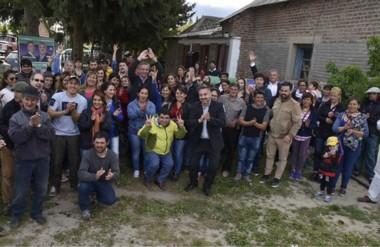 Gracias. En su paso por Río Pico hubo un aplauso generalizado para el respaldo electoral para Arcioni.