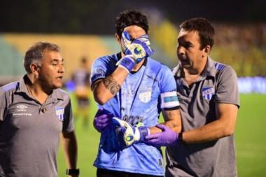 Lucchetti tiene la ruptura de uno de los tendones. La recuperación demandará entre 4 y 6 meses. El arquero viaja este martes a Buenos Aires.