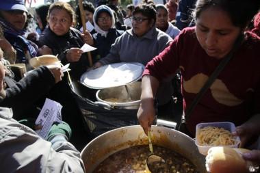 Tras obtener en septiembre pasado un bono por 2.200 pesos para diciembre, los movimientos sociales empezaron a agitar la necesidad de una ley de Emergencia Alimentaria.
