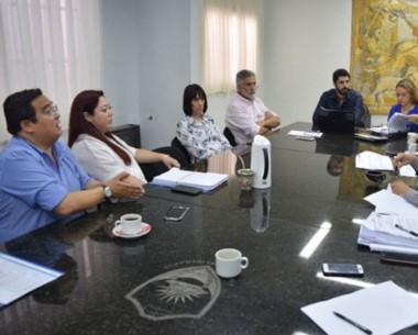 Explicación. Tapia se reunió con los concejales por los impuestos 2018.