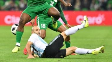 Mascherano sufrió un ruptura fibrilar en el bíceps femoral de la pierna derecha durante el amistoso ante Nigeria.