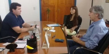 Burgoa comprometió gestiones para lograr el rechazo de la iniciativa en el Congreso Nacional.