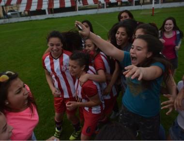 """Las """"Académicas"""" Sub-14 clasificaron a la fase nacional el pasado sábado."""