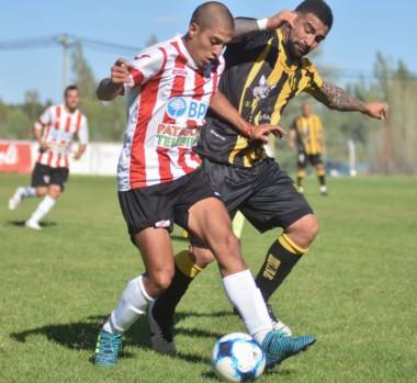 """El """"Aurinegro"""" no pudo traerse puntos y ahora espera el lunes para enfrentar de local a Villa Mitres."""