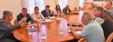 El ministro coordinador de Gabinete recibió ayer a la Federación y representantes de las cooperativas.