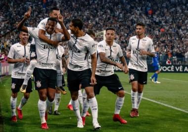 Corinthians venció 3 a 1 a Fluminense y se consagró campeón del Brasileirao.