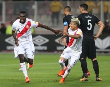 Perú cortó el maleficio. El zaguero Ramos marcó el segundo gol de Perú.