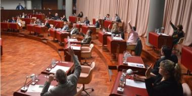 Ayer también se aprobó la adhesión de Chubut a la Ley de Contratación Público-Privada de Nación.