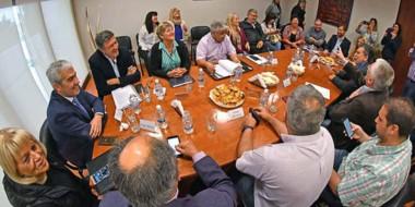 Durante el encuentro participaron los diputados nacionales electos, Rosa Muñoz y Gustavo Menna.