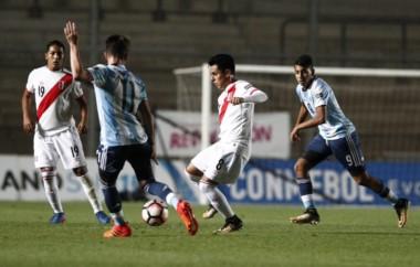 Argentina superó sin problemas 4-1 a Perú y Brasil hizo lo propio ante Paraguay. Tenemos clásico el domingo en la final del Sudamericano.