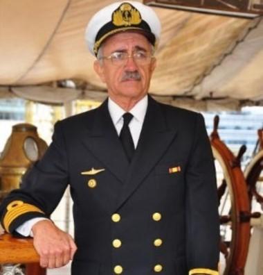 "Carlos Zavalla, primer comandante del submarino ""ARA"" San Juan"