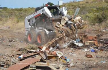 El municipio quiere eliminar los focos de residuos en la vía pública.