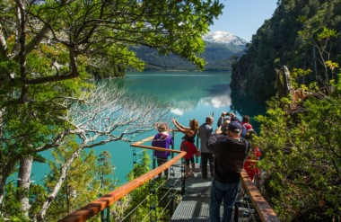 Periodistas de medios de Buenos Aires visitaron el Parque Nacional Los Alerces y realizaron actividades.