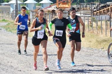 Karina Mercado y Silvia Herrera, codo a codo. Finalizaron los 21k en el 1er y 2do lugar, respectivamente.